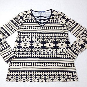 Avon Signature Weekend geometric print lace up top